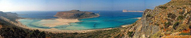 Balos Lagoon is exquisite with turquoise waters - get there from Kissamos