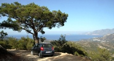 Car Hire Crete - a roadside look out