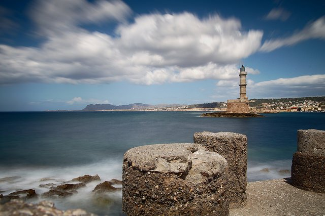 See the Venetian Lighthouse from the old harbour of Chania