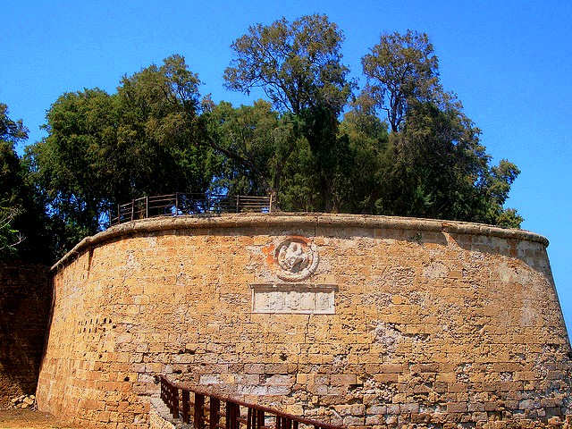 Chania Town Wall (image by Martin Bellam)