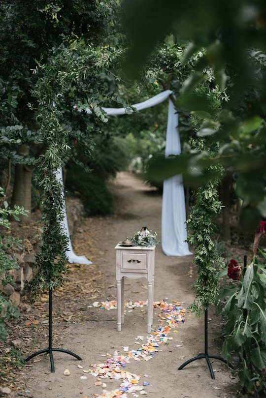 A rustic wedding in an olive grove by 'Crete for Love' (image by Andreas Markakis