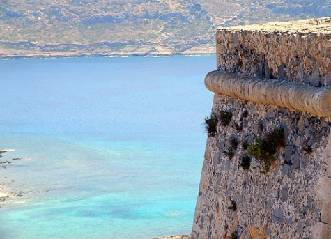 Gramvousa Castle overlooks the bay - past haunts of pirates (image by Michael Brys)
