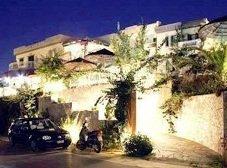 Aquarius Apartments, Agia Pelagia - pool and courtyard