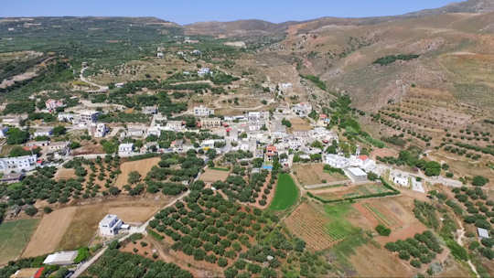 Kaliviani is a farming village surrounded by olive groves and fields