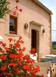 Kamares Houses just 30 km from Chania International Airport