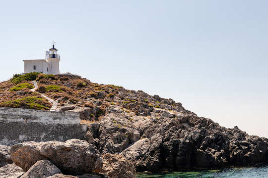 Kapsali lighthouse, Kythera (image by  Gilles Messian)