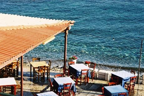 Papadakis Taverna - outside seating next to the bay