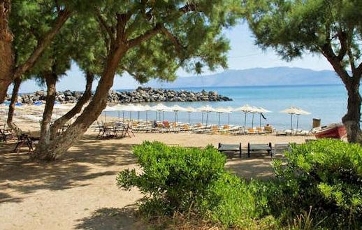 Kastelli-Kissamos has many sandy beaches protected by Kissamos Bay