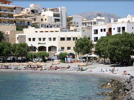 An Agios Nikolaos town bay