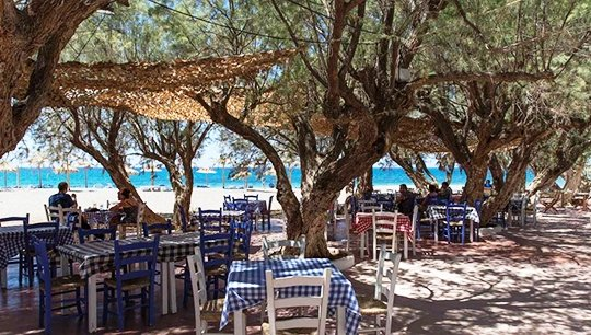 The Red Castle fish taverna on the beach at Kokkinos Pirgos