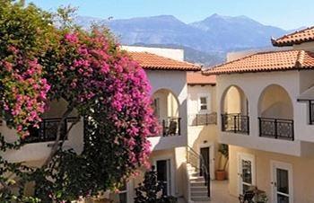 The Little Inn, Kokkinos Pirgos, exterior