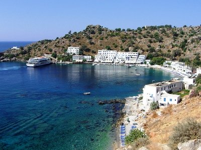 A small harbour with ferry docking (image by Yatmandu, Crete, Kriti