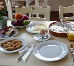 Mourtzanakis Residence - breakfast table