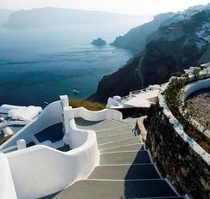 Island hopping from Crete to the Cyclades is easy - this is the bright white architecture of Santorini (image by sprungli)