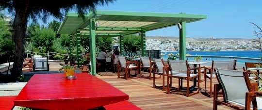 Nereides Apartments - cafe by the bay